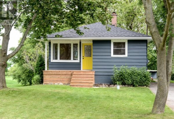 1310 COUNTY ROAD 3 RD, AMELIASBURGH***SOLD***