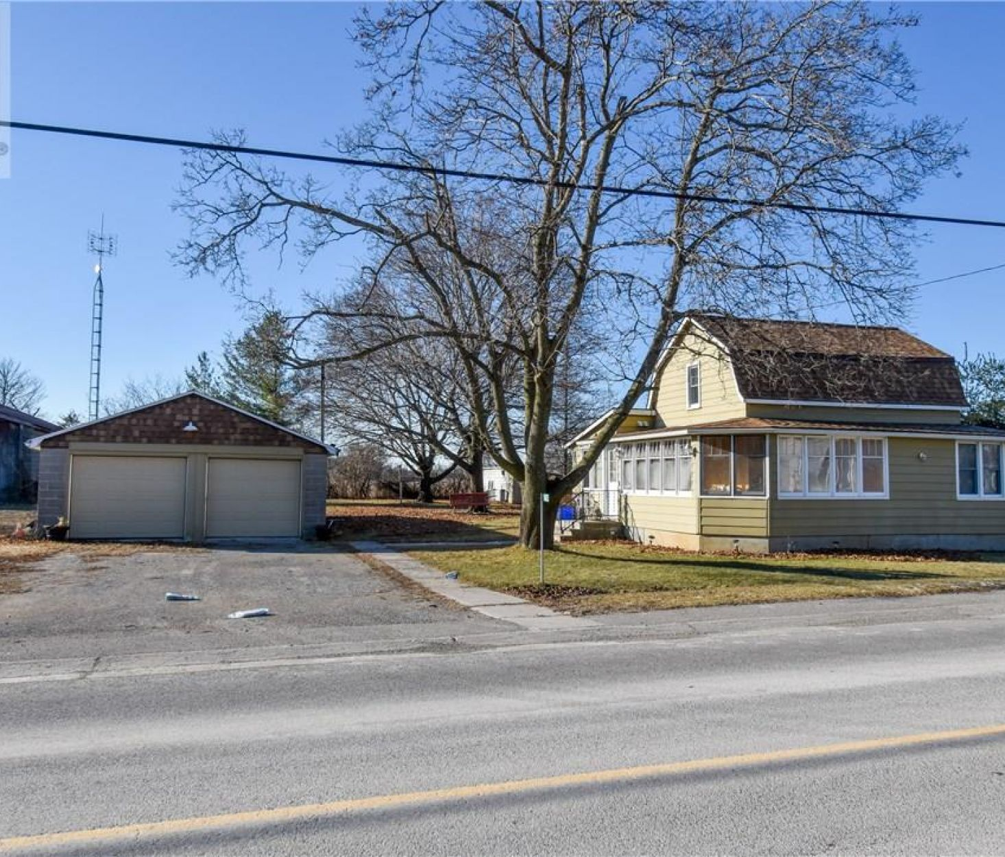 18625 LOYALIST PARKWAY, Prince Edward County****SOLD****