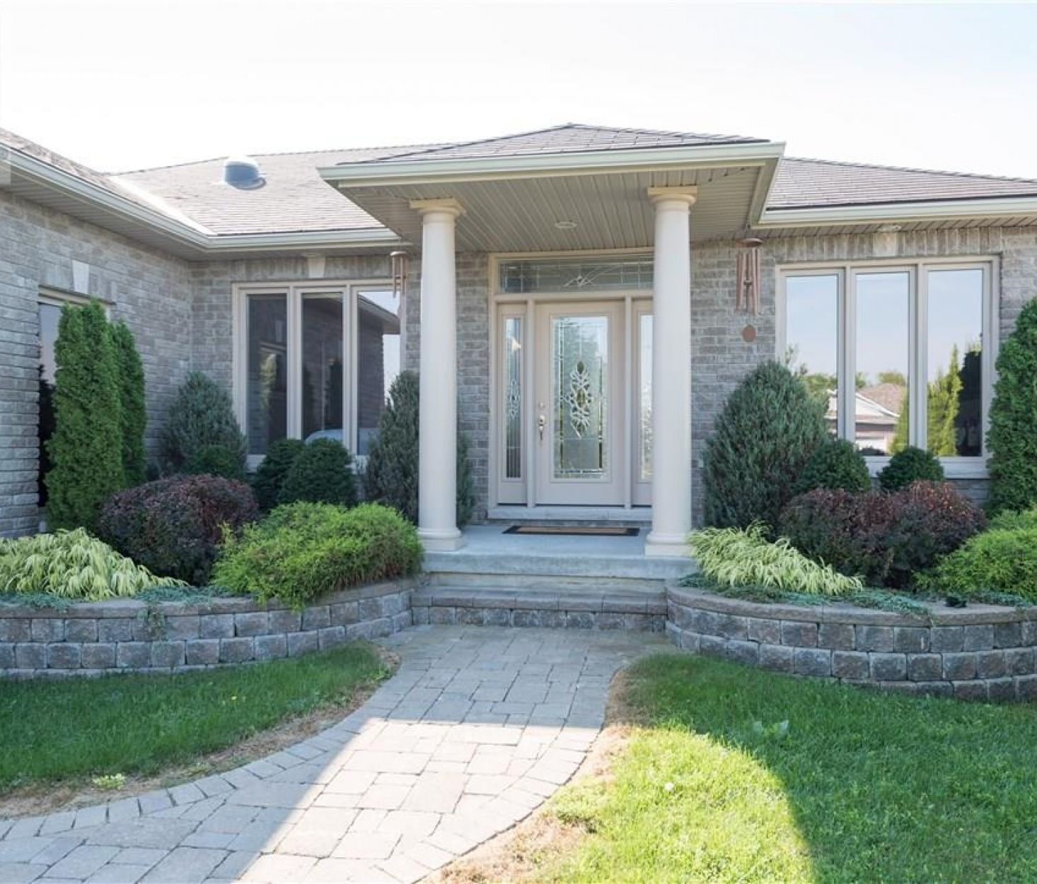 49 LAKE BREEZE COURT, Prince Edward County****SOLD****