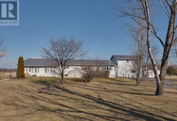 544 SWAMP COLLEGE RD, HILLIER***SOLD***